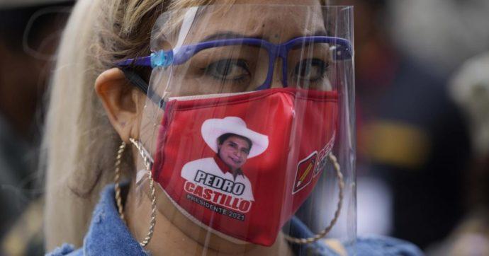 Perù, caos elezioni: non c'è ancora un vincitore. Castillo si proclama presidente, Fujimori grida ai brogli