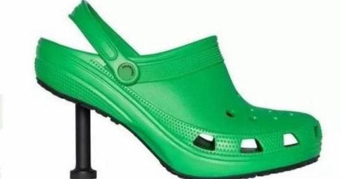 Crocs e Balenciaga lanciano il must dell'estate 2021: gli zoccoli con il tacco. Ecco quanto costano