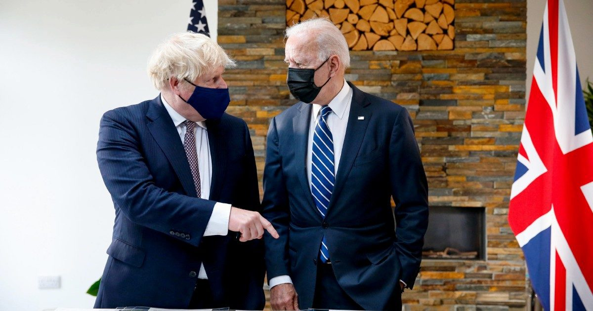 Biden e Johnson amici per finta