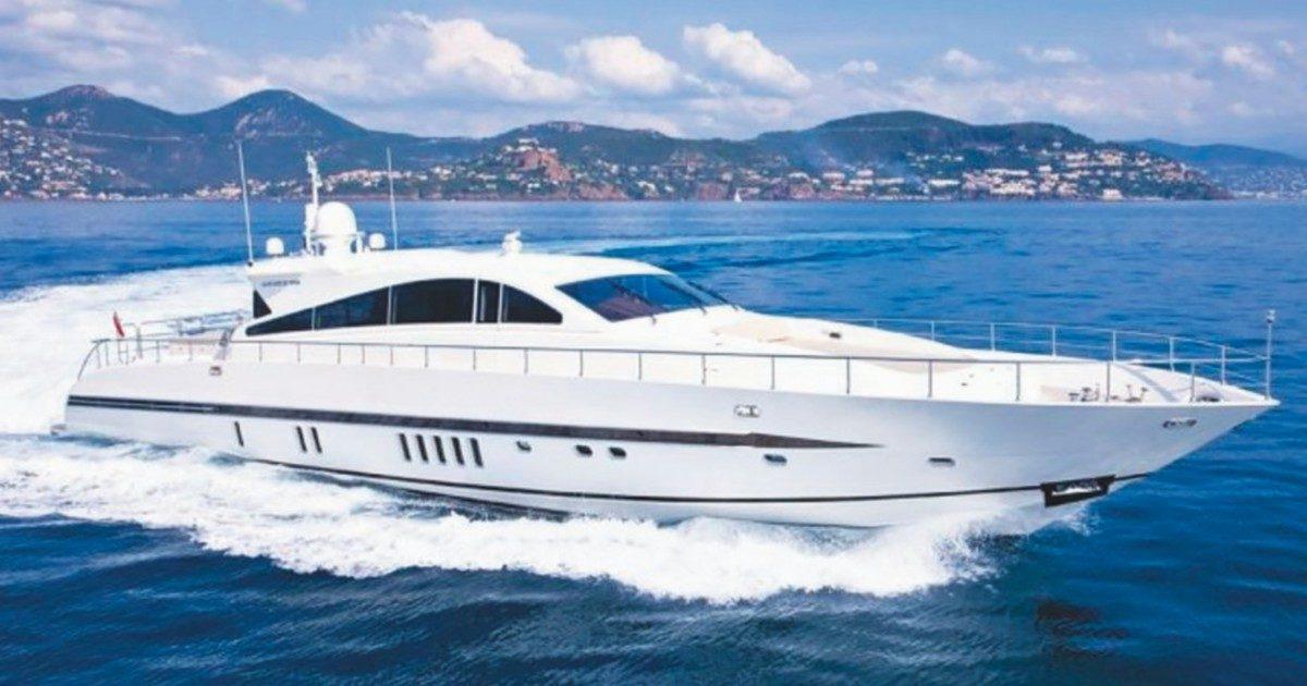 Il maxi-yacht e la strana vendita tra due uomini vicini a Salvini