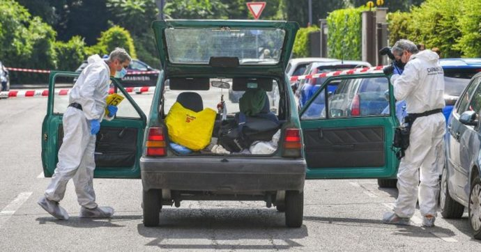 Milano, 55enne ucciso a coltellate in auto: la moglie in procura. Secondo i testimoni, lui avrebbe estratto l'arma
