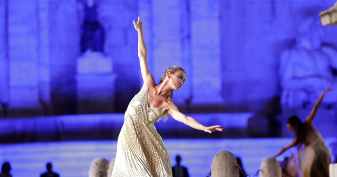 Addio all'Opéra di Parigi per l'étoile Eleonora Abbagnato: spettacolo sold out e venti minuti di standing ovation