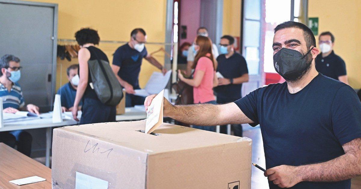 Primarie  per pochi intimi: a Torino votano in 11 mila