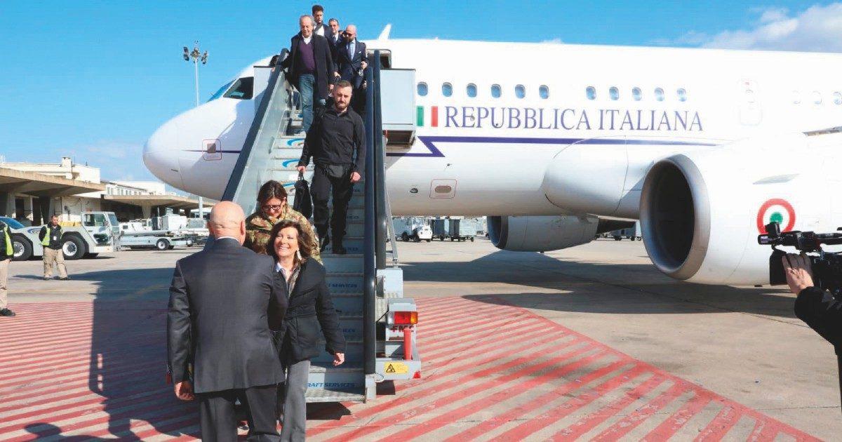Di nuovo in volo il Falcon di Stato: Roma-Milano andata e ritorno