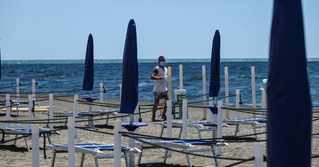 Concessioni balneari, niente gare e il 70% paga allo Stato meno di 2.500 euro l'anno. Per il fisco due su tre non dichiarano abbastanza