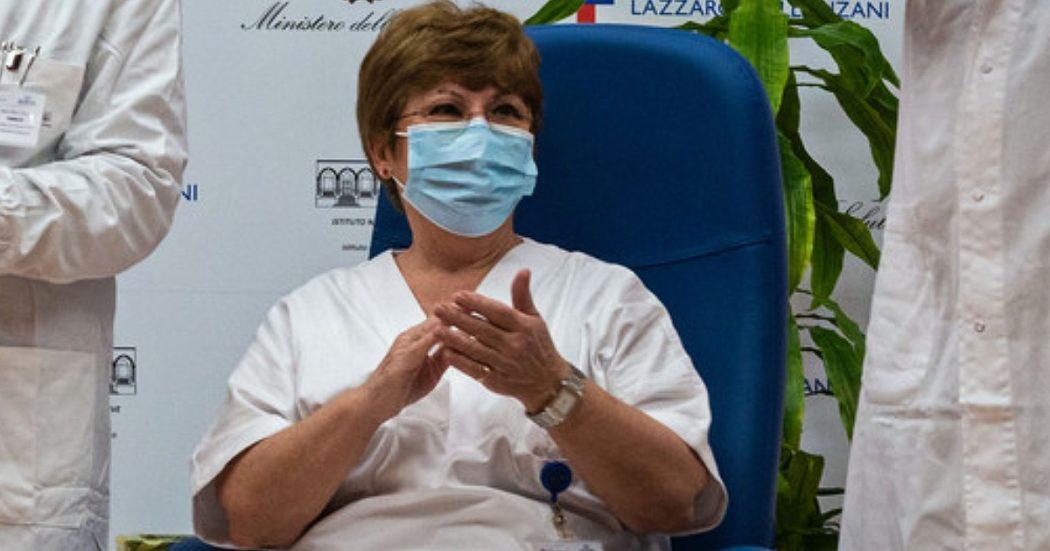 """Covid, la scienziata che isolò il virus in Italia: """"Calo anticorpi? Non è detto che diminuisca la protezione"""". E sulla variante Delta: """"Il vaccino mette al sicuro dai casi gravi"""""""