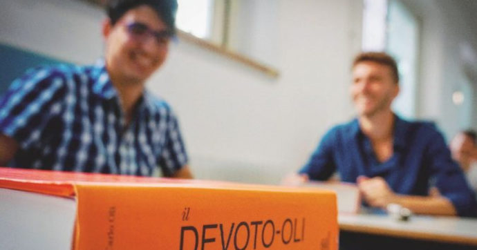 La nostra lingua italiana non è in salute, per non parlare dei dialetti: come metterli in salvo?