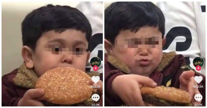 """""""Burgirr"""", star dei social mangiando un hamburger: lo scambiano per un bambino ma ha 18 anni. È anche cantante"""
