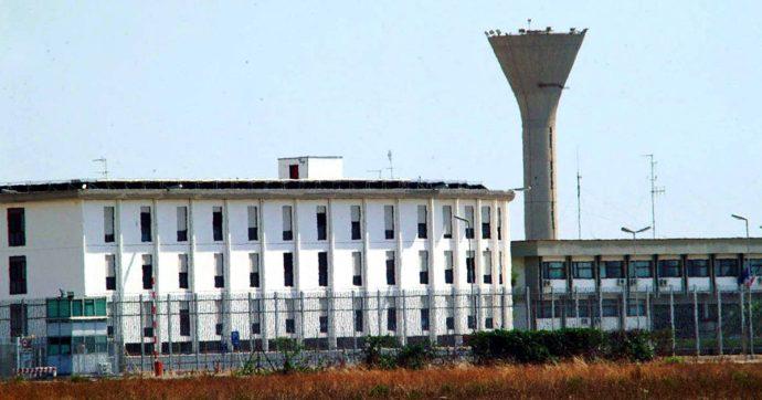 Focolaio di Covid nel carcere (sovraffollato) di Taranto: bloccata la mensa interna, si teme un contagio di massa