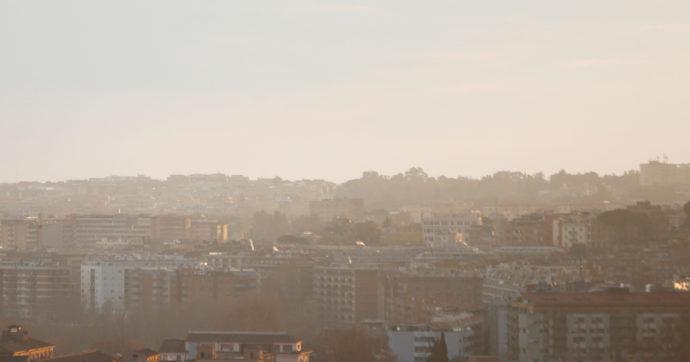 Smog, 4 città italiane tra le peggiori d'Europa: tutte in Pianura Padana. Cremona maglia nera del Paese e seconda nel continente