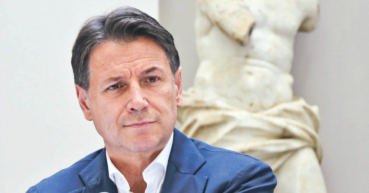 Garanzie, ruoli, poteri: le condizioni di Conte a Grillo per i nuovi 5S