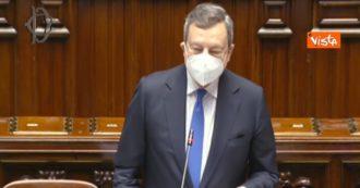 Draghi inciampa più volte sul cognome della deputata M5s Ianaro. E l'Aula applaude