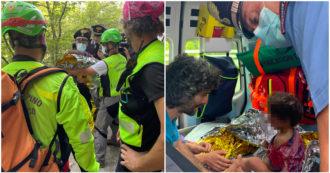 Mugello, ritrovato vivo il bimbo scomparso grazie alla segnalazione di un giornalista Rai: era in fondo a una scarpata a tre km da casa