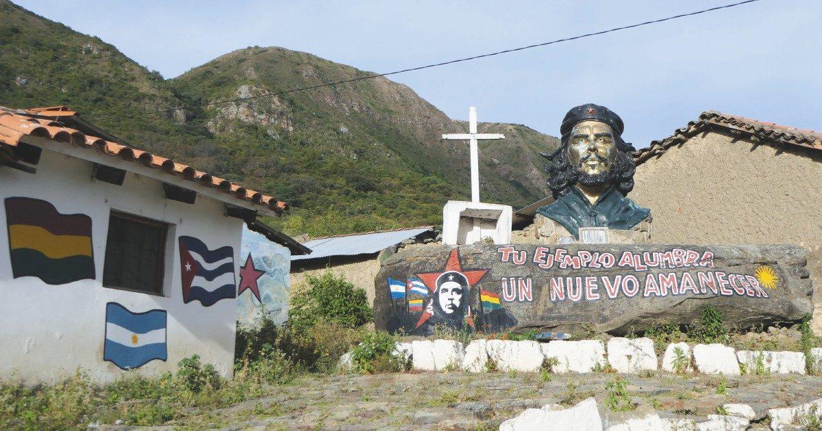 Sulle tracce del Che, sepolto due volte eppure  mai morto
