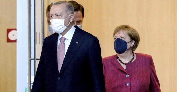 Migranti, nel nuovo accordo con Erdogan la Germania fa prendere all'Ue dei rischi non da poco