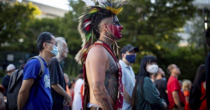Canada, trovati i resti di 761 persone in una ex scuola per indigeni: la maggior parte sono bambini nativi