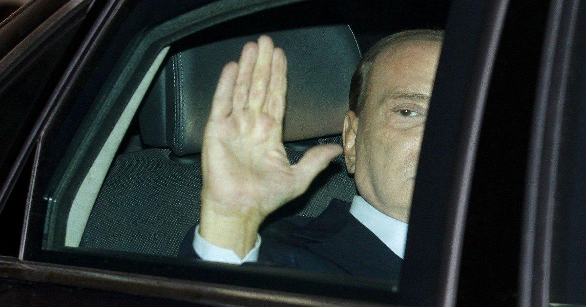 Tra dichiarazioni e pizzini, il mistero dei soldi di Cosa Nostra a Berlusconi