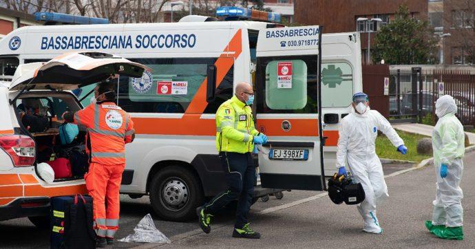 Brescia, auto travolge madre e figlia di 11 mesi: neonata trasportata in ospedale in codice rosso, è grave