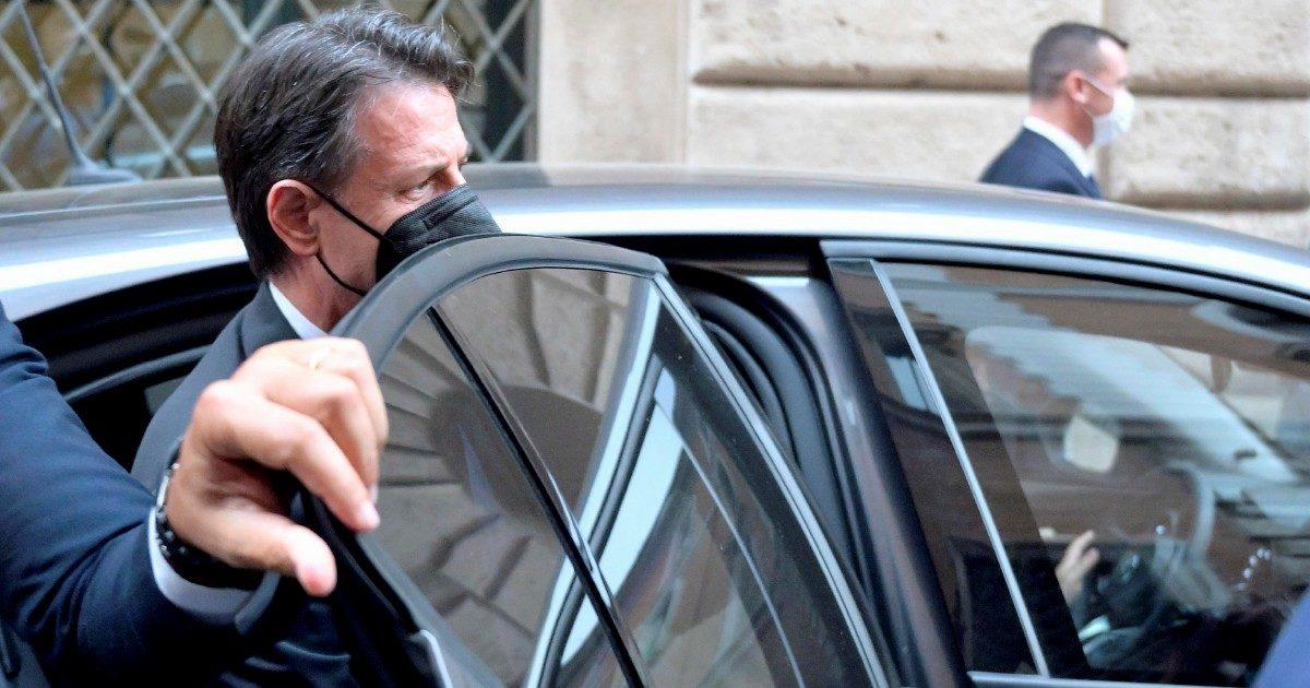 """M5s, per Conte la """"diarchia"""" con Grillo è """"impossibile"""""""