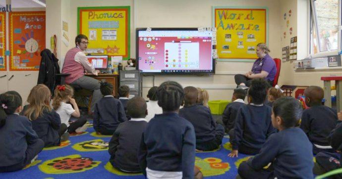 Uk, balzo dei contagi nelle scuole elementari: aumentati del 70% in una settimana