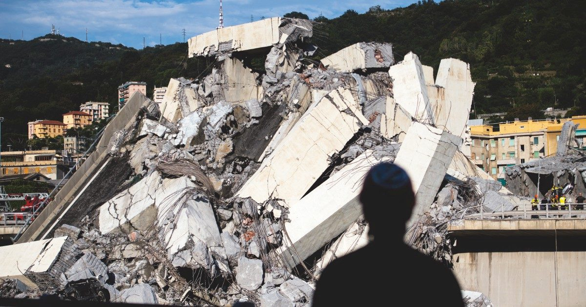 """Ponte Morandi, i documenti inediti – Ecco le mail della strage annunciata: """"Corrosione degli stralli? Non interessa a nessuno"""""""