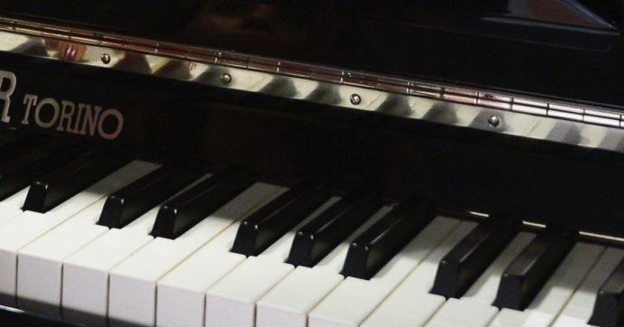 Morto Frederic Rzewski, il pianista stroncato da un infarto mentre era a cena con la famiglia
