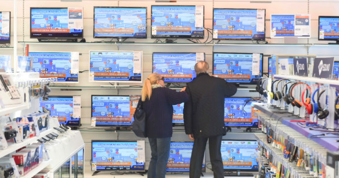 Tv, parte la rivoluzione del digitale: ecco quando gli apparecchi più obsoleti dovranno essere sostituiti