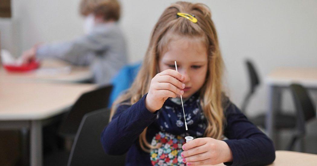 """Covid, vaccino ai bambini? Il presidente dei pediatri in Germania: """"L'immunità di gregge non può essere un criterio. Non possono essere costretti a proteggere gli adulti"""""""