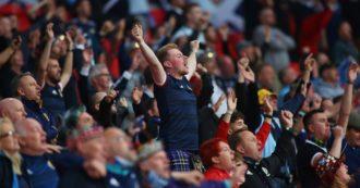 Quasi 2mila tifosi scozzesi positivi al coronavirus dopo aver partecipato a eventi degli Europei