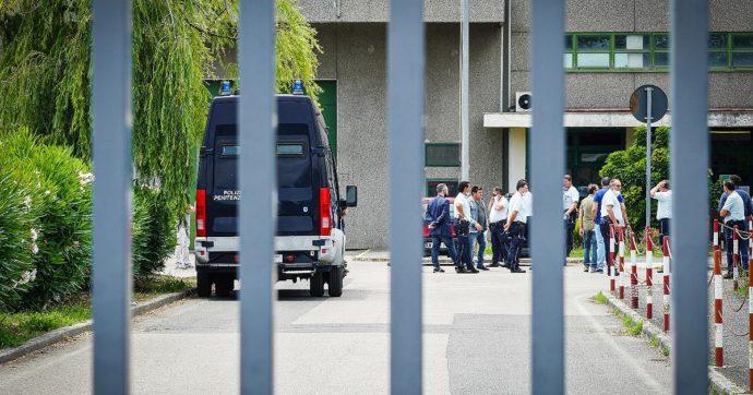 """Santa Maria Capua a Vetere, il gip: """"Violenza costante tra indagati e detenuti"""". Commissione Ue: """"Tutti i cittadini vanno protetti"""""""