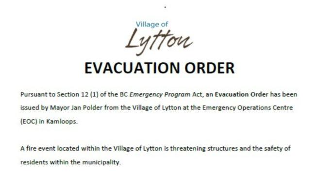"""Canada, dopo i 50 gradi, ora la cittadina di Lytton brucia per davvero. Popolazione evacuata. Sindaco: """"Città in fiamme"""""""