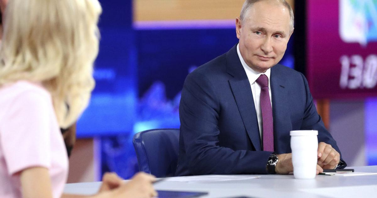 Torna la propaganda di Putin su clima, coronavirus e rapporti (difficili) con gli Usa