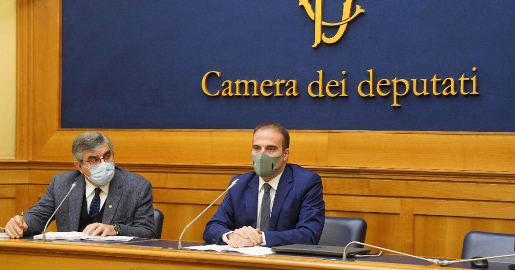 Anche sul fisco ad esultare sono la Lega e Forza Italia. Nel documento finale delle Camere sparisce la patrimoniale (citata nelle bozze). Resta la mini flat tax e spunta l'abolizione dell'Irap cara a Confindustria