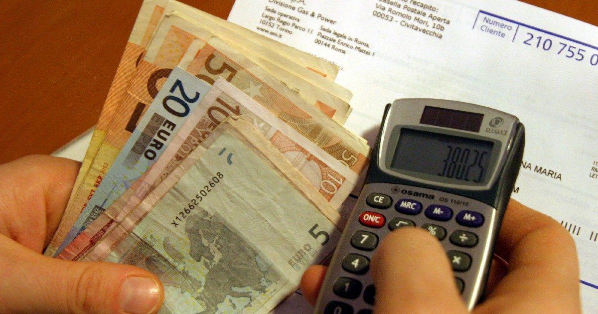 Bollette, rincari record (nonostante il governo)