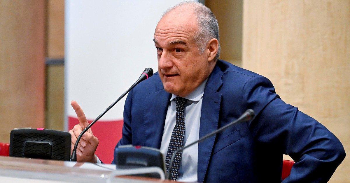 """Michetti e il caso della fattura del socio. Così il """"prof"""" puntava ai fondi regionali"""