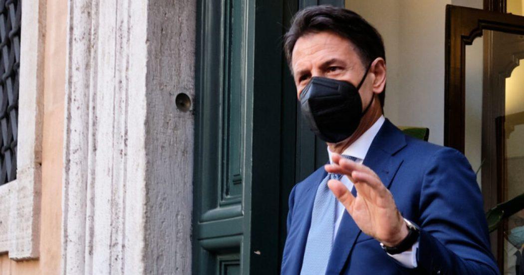 """M5s, Conte ai suoi: """"Bene la mediazione di Grillo, ma restino miei punti fermi"""". La cena tra il garante, Fico e Di Maio ha sbloccato la situazione"""