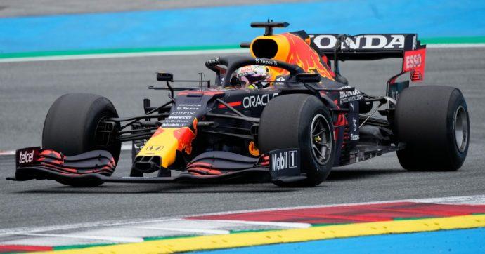 F1, Verstappen serve il bis in Austria. Sul podio Bottas e Norris. Ferrari: Sainz è 5°, Leclerc 8°