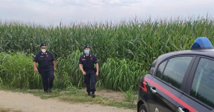 """Donne morte nel campo di mais, il 28enne alla guida del trattore: """"Sono sconvolto"""". Slittano le autopsie"""