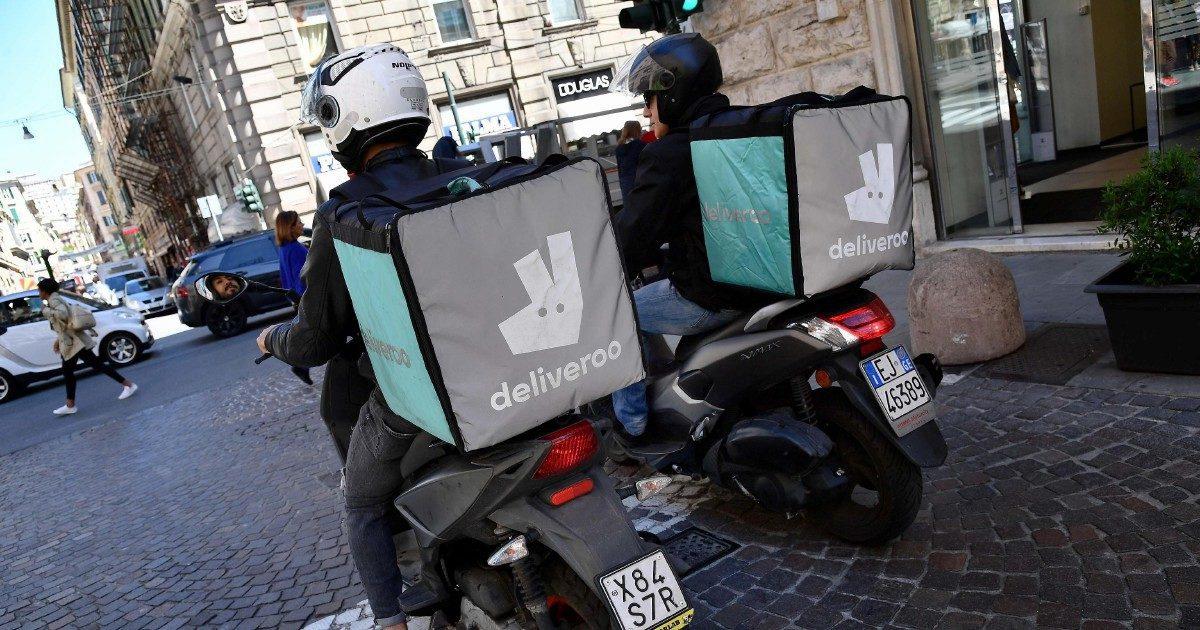 Rider, è illegittimo il contratto con Ugl usato da Deliveroo
