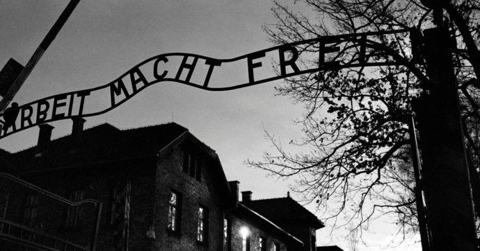"""L'europarlamentare leghista su Twitter cita i lager contro i vaccini. Interviene l'Auschwitz memorial: """"Declino morale e intellettuale"""""""