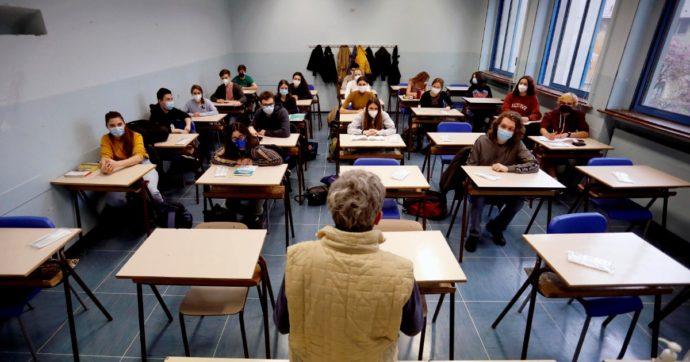 """Vaccino al personale scolastico, 222mila senza una dose. Più rifiuti in Sicilia, Piemonte e Lombardia. Sindacati: """"No agli obblighi"""""""