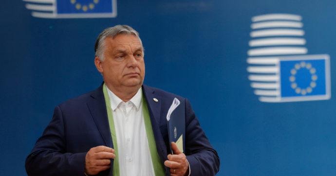 """Ungheria, Orbàn convoca un referendum sulla legge contro la 'propaganda Lgbtq': """"Abbiamo fermato l'Ue sui migranti, lo faremo anche ora"""""""
