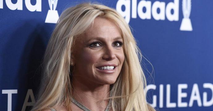 Britney Spears, il padre rinuncia alla sua tutela legale: l'annuncio a sorpresa
