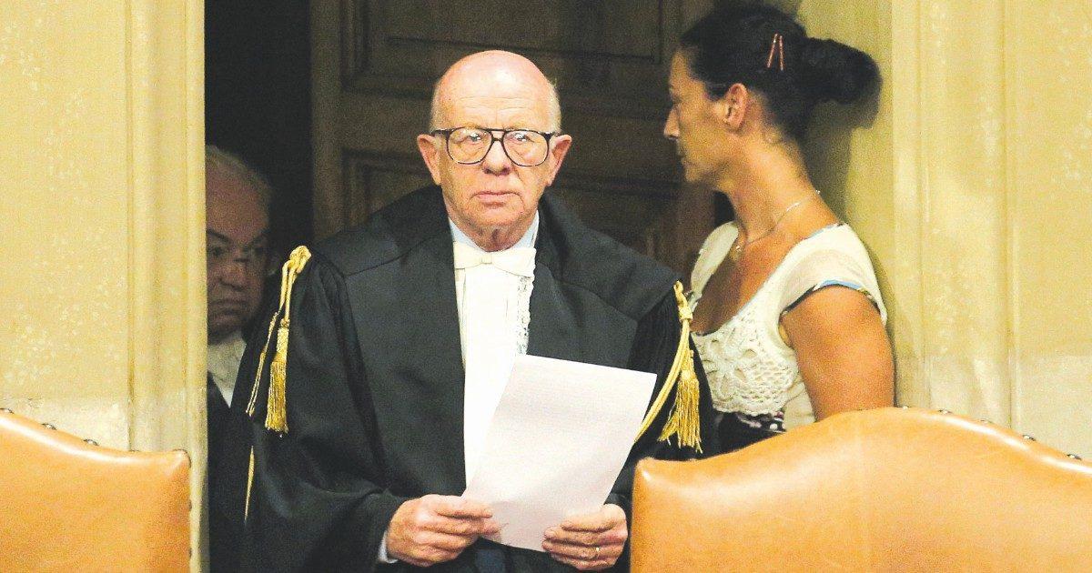 """Dissero: """"Giudice della sentenza Mediaset insultò B."""", archiviati i 3 camerieri di Ischia"""
