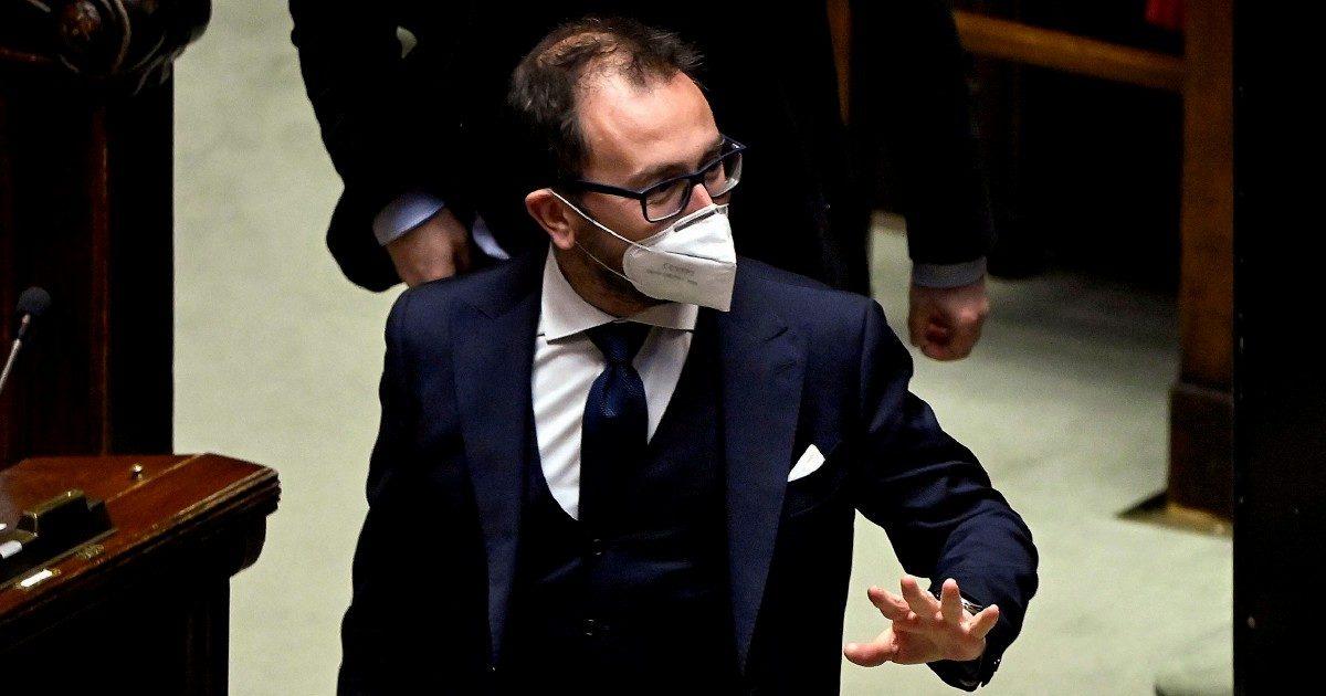 """""""È una Caporetto"""". La rabbia nel M5S per i 4 sì a Draghi"""