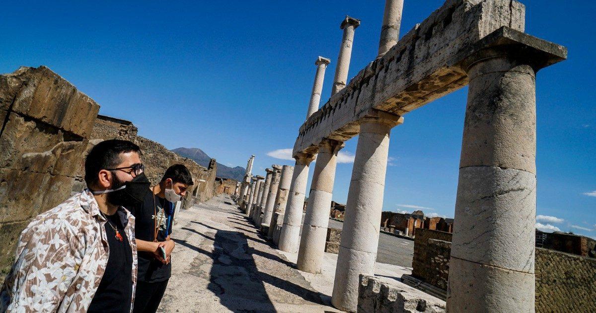 Vedi Pompei e poi devi tornarci. Metà del sito chiuso al pubblico