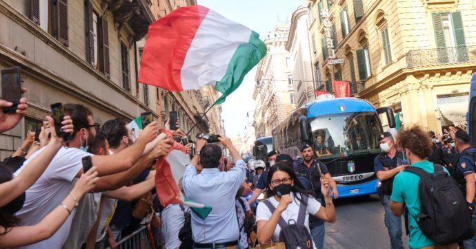Caso bus Azzurri, così i campioni d'Europa hanno potuto sfilare per Roma