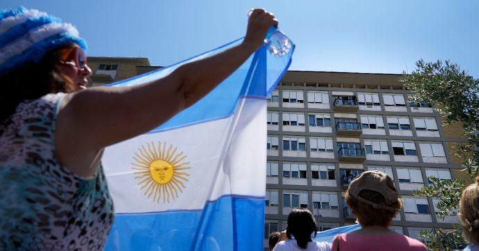 """La doppietta di Papa Francesco: """"Gioia per le vittorie di Argentina e Italia"""""""