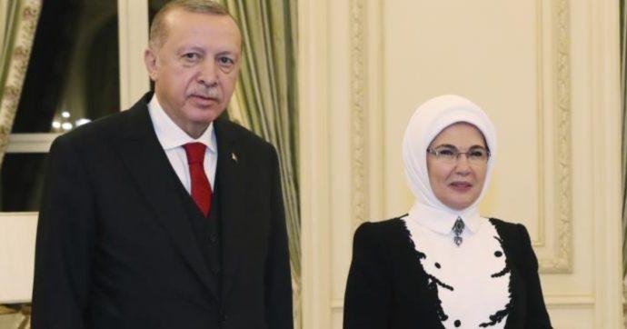 Turchia: banche a rischio default, ma Erdogan si rifugia nel suo palazzo da 70 milioni di euro. E grida al complotto