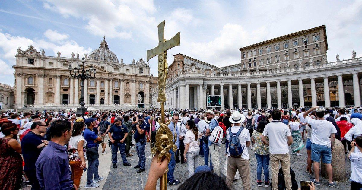 """""""Opere di carità del Papa"""" I bonifici-truffa in Vaticano"""